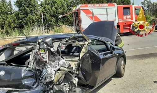 L'auto coinvolta nell'incidente a Simeri