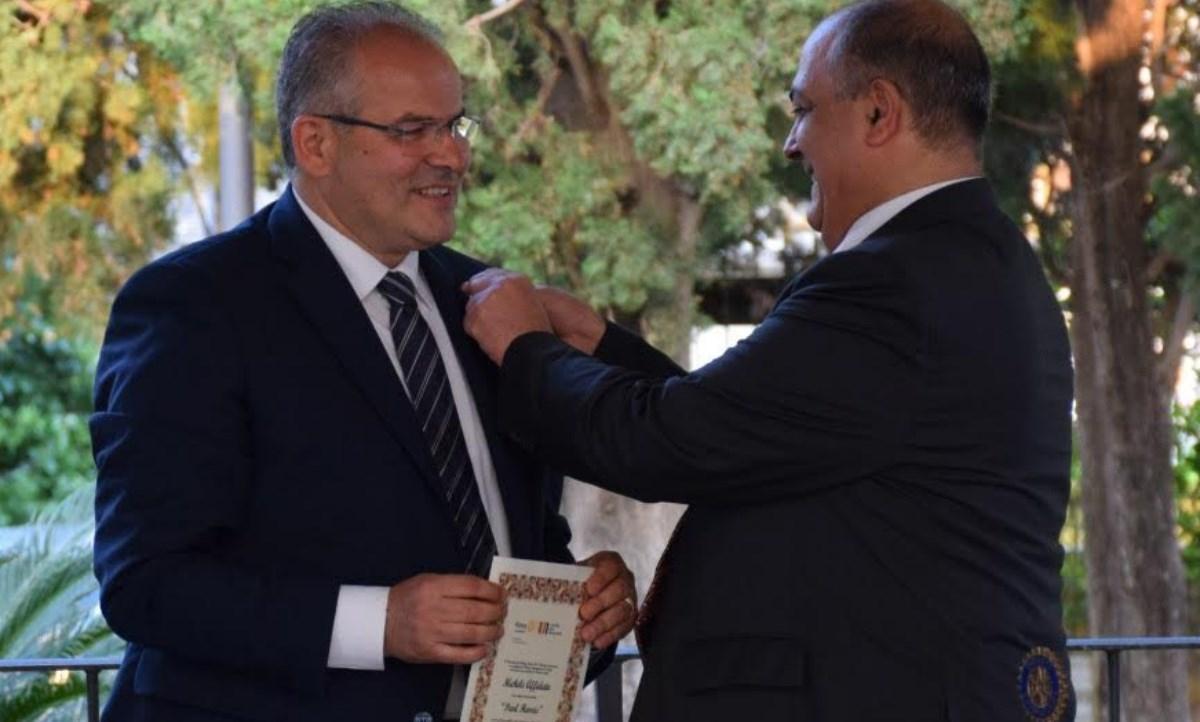 La premiazione del maestro Affidato