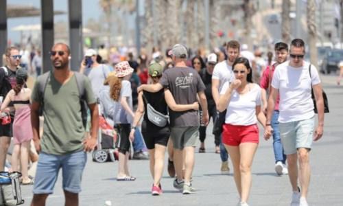 Covid, dal 28 giugno via le mascherine all'aperto: resta obbligo su mezzi pubblici e luoghi affollati