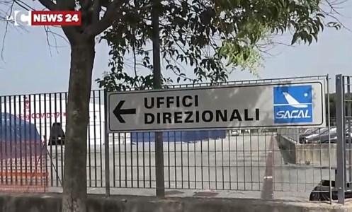 Aeroporti CalabriaSacal apre ai lavoratori esterni e lascia nel limbo gli stagionali: furia dei sindacati