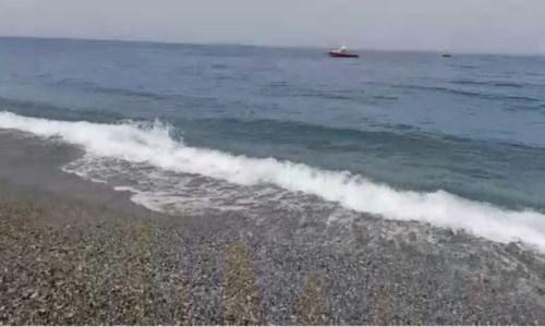 Fiumefreddo, 26enne esce per andare in spiaggia e scompare nel nulla: ricerche in corso -LIVE