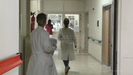 AAA cercasiMancano medici negli ospedali vibonesi: l'Asp pubblica un nuovo bando per anestesisti