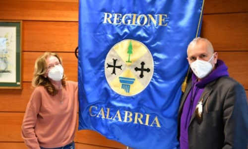 Marchio di qualità ecologica, la Consulta degli studenti calabresi consegna il logo alla Regione