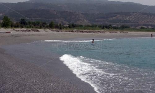 Balneazione Calabria, l'Arpacal individua sei punti non conformi nelle acque di Catanzaro e Stalettì