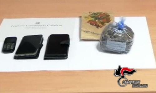 Nascondeva 100 grammi di marijuana nella busta del pane: un arresto nel Reggino