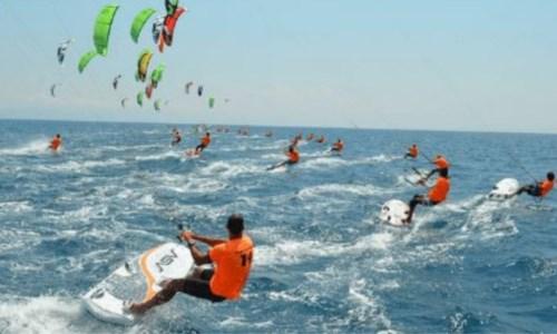 La Calabria capitale del kitesurf: dal 7 luglio al via i campionati mondiali a Gizzeria