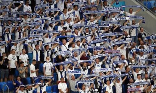 Tifosi Finlandia (foto Ansa)