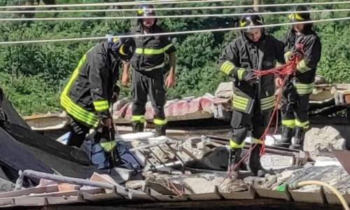 Catanzaro, crolla un casolare per una fuga di gas: estratti vivi dalle macerie i proprietari