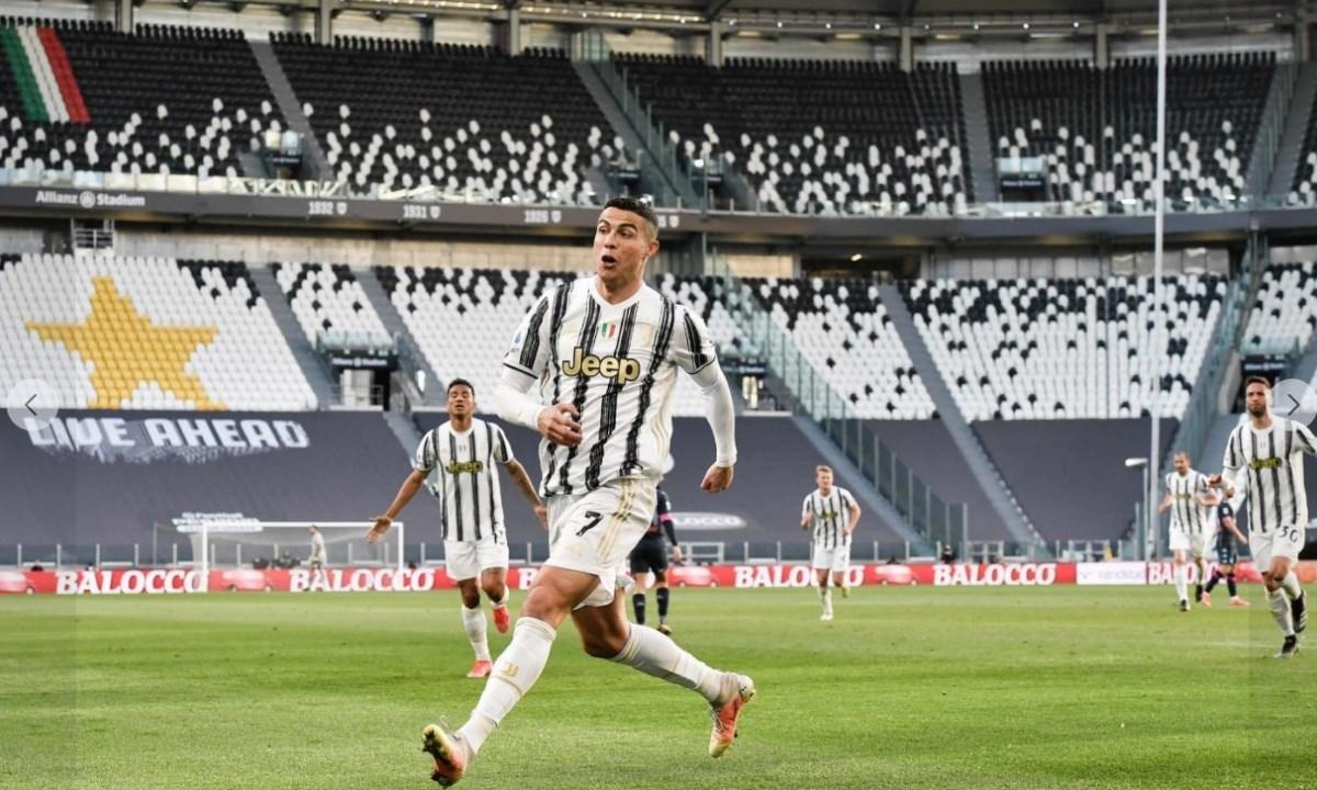 Cristiano Ronaldo, foto dalla pagina Fb del calciatore