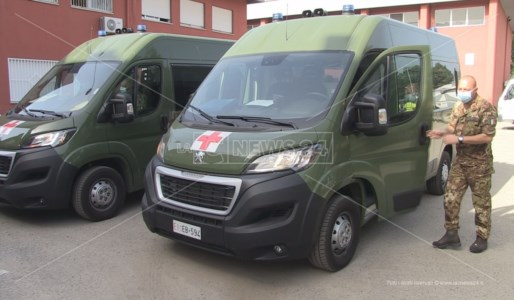 Le ambulanze militari davanti la sede Usca di Cosenza