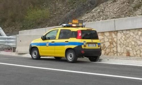 Cosenza, mezzo pesante di traverso sull'A2: traffico bloccato in direzione sud