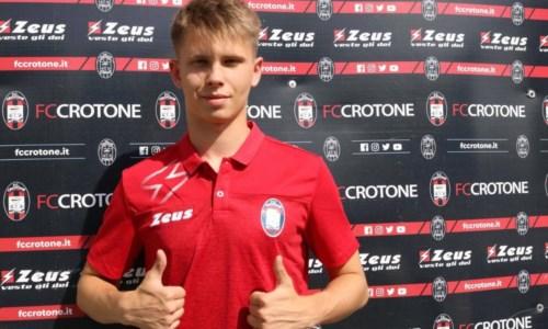 Calciomercato Crotone, volto nuovo in difesa: ecco il giovane lituano Tutyskinas