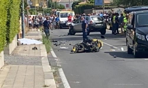 Incidente a Lamezia Terme, muore giovane centauro in uno scontro tra auto e moto
