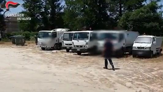 Serra San Bruno, due camion rifiuti perdono percolato inquinante vicino a un fiume: denunce