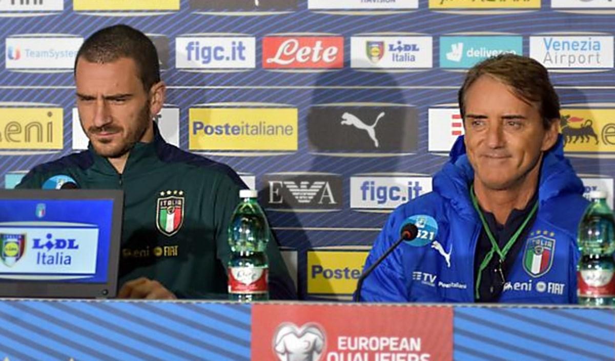 Il calciatore Bonucci e il ct Mancini