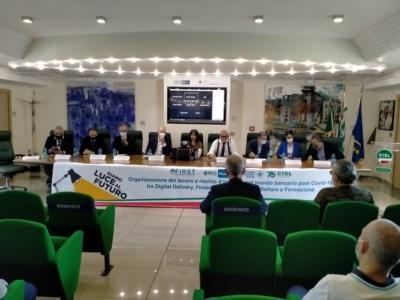 In Calabria più di 800 comuni senza banca, a Rende un dibattito sul credito post pandemia