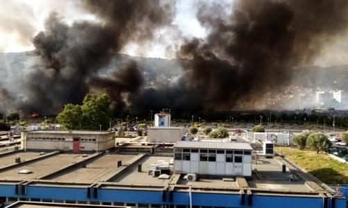 Incendio al campo rom di Lamezia Terme, Spirlì: «Tavolo tecnico già convocato»