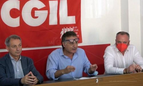 Aeroporti Calabria, i sindacati  spingono su assunzioni stagionali e piano industriale: «Vogliamo chiarezza»