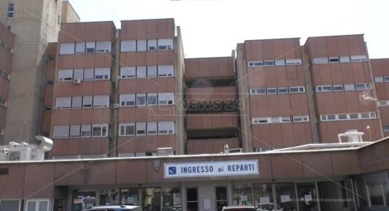 Emergenza pandemiaCovid Calabria, il virus fa ancora vittime: al Gom di Reggio muore un 45enne