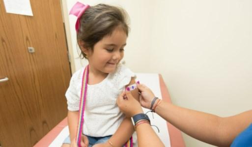 Vaccini a bimbi in ritardo per via del Covid, l'allarme dell'Oms: «Rischio catastrofe»