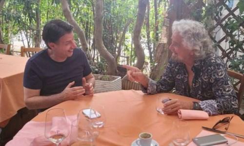 """Conte e Grillo siglano la pace con il """"patto della spigola"""": quanto durerà?"""