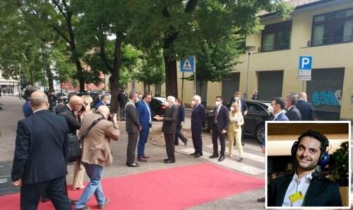 L'arrivo del presidente Mattarella a Trento e nel riquadro il giornalista Megalizzi, foto ansa