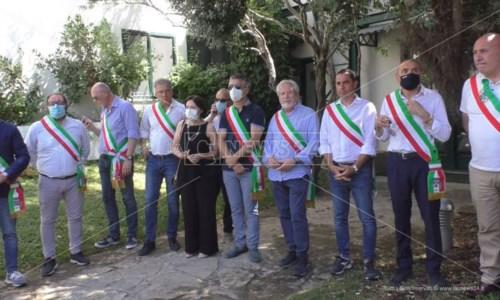 La guerra dei rifiuti, a Crotone i sindaci si rivolgono al Tar: «No immondizia da altre province»