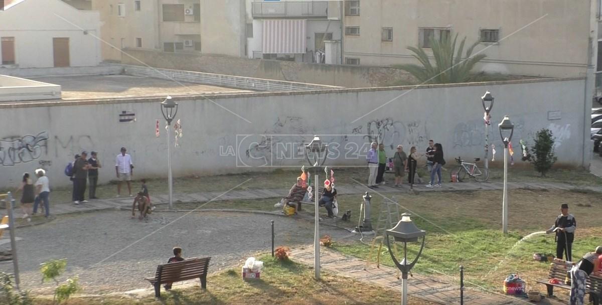 Attività Piantumazione in piazza Gianluca Canonico Reggio Calabria
