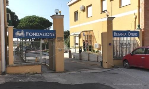 Sanità Calabria, Fondazione Betania affonda nei debiti: nel piano di salvataggio interviene una società romana