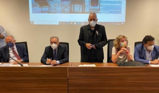 DepurazioneIn Calabria impianti inefficienti e scarichi abusivi, De Caprio ai cittadini: «Denunciate»