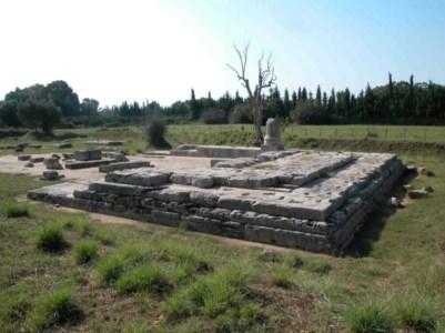Locri, Rossella Agostino racconta in un libro il parco archeologico: «Una polis poco conosciuta»