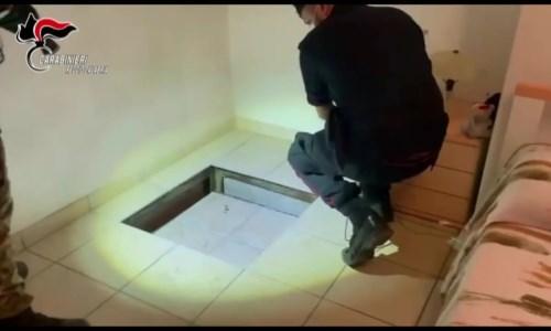 Taurianova, i carabinieri scoprono e sequestrano un sofisticato bunker in una casa. Denunciato un 46enne