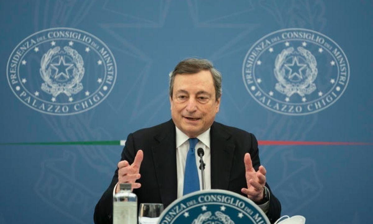 Mario Draghi nel corso della conferenza stampa