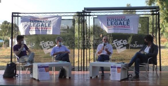 Eutanasia legale, a Reggio Calabria dibattito e raccolta firme