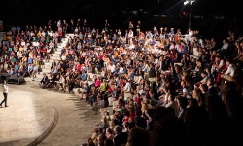 Il festivalRicadi, dopo un anno di stop torna a rivivere il teatro di Avvistamenti: al via la quinta edizione