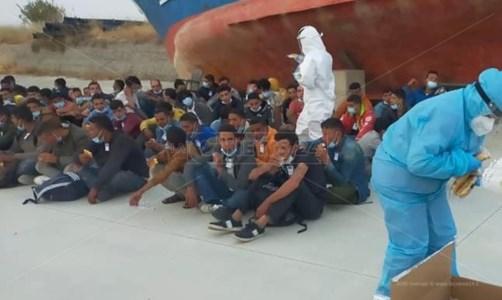 La trattaNuovo sbarco in Calabria: giunti a Roccella 98 migranti