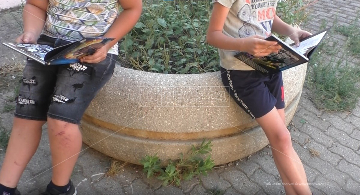Giovani di Arghillà leggono