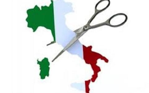EditorialeSe il Sud e la Calabria giocano la partita degli altri, non la propria