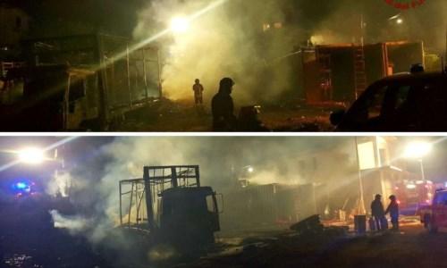 Notte di fuocoIncendio doloso a Mileto, dati alle fiamme il camion e il materiale di un negozio di vini