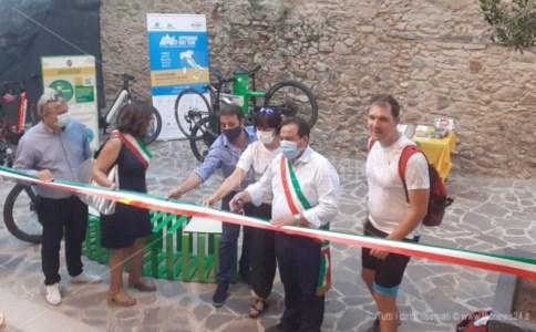 Pedalata tra i borghiFa tappa ad Amaroni l'Appennino Bike Tour, la più lunga ciclovia d'Italia