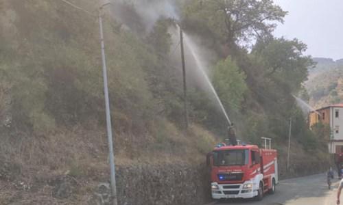 Incendi nel Crotonese, foto da Facebook