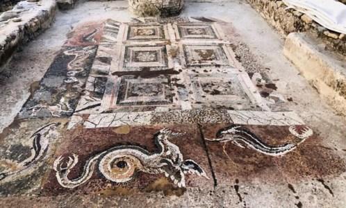 Il mosaico nel Parco dell'antica Kaulon