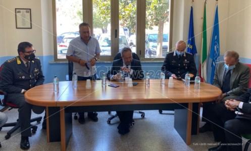 Calabria in fiammeIncendi nella Locride, il prefetto Mariani a Grotteria incontra i sindaci e assicura il massimo impegno