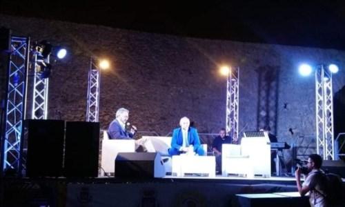 Eventi estiviIsola Capo Rizzuto, tutto pronto a Le Castella per il Premio Aragona: viaggio tra accoglienza e solidarietà