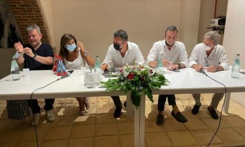 La corsa per la RegioneElezioni Calabria, Salvini a Cosenza: «Vinceremo e governeremo con Roberto Occhiuto»