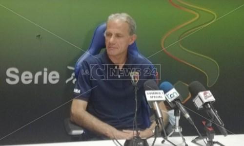 L'allenatore del Cosenza Marco Zaffaroni