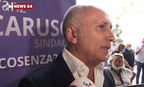 Cosenza, il candidato a sindaco Franz Caruso