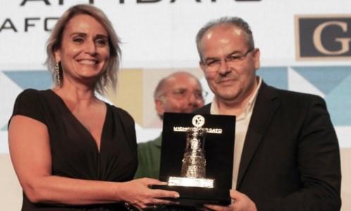 L'eventoL'orafo calabrese Affidato firma la torre d'argento per il premio letterario Caccuri