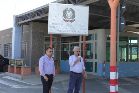 Ferragosto in carcere Gianpaolo Catanzariti, responsabile Osservatorio delle Camere Penali, e Maurizio Turco, segretario Partito Radicale