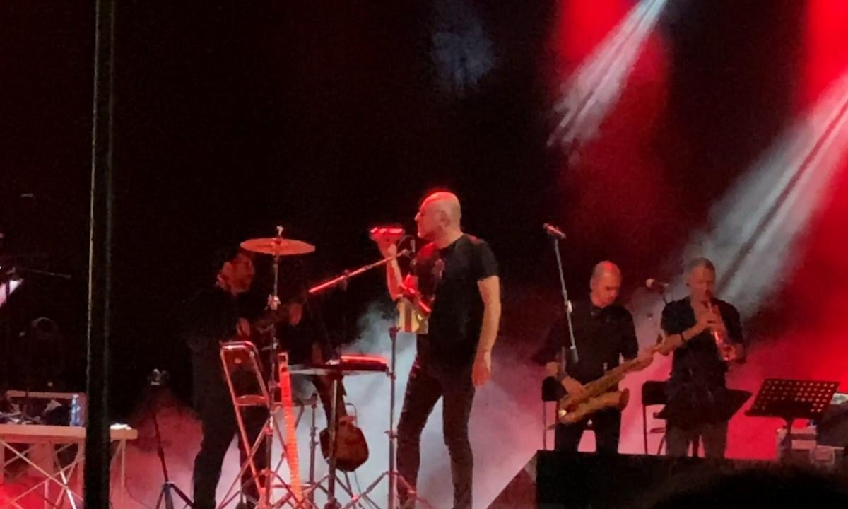 Mario Biondi e la sua band
